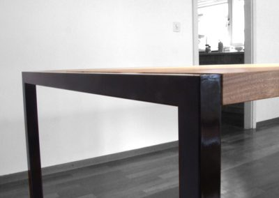 table vermont - detail angle 1